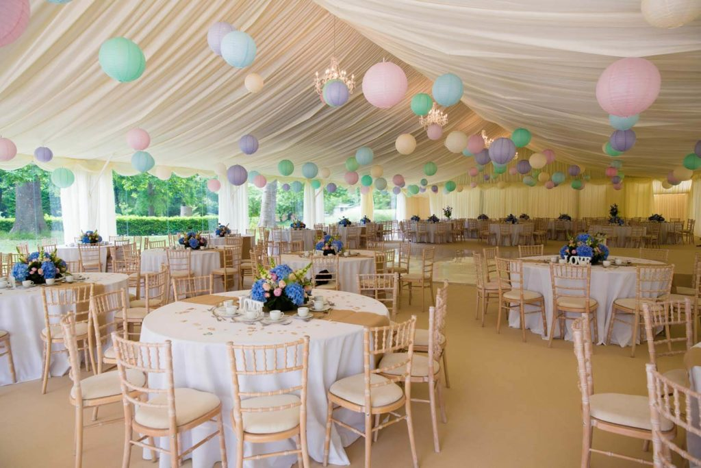 Marque wedding with pastel decorations
